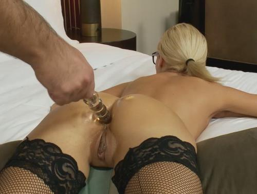 Stephanie - 30 year old HOT secretary does all anal (HD)
