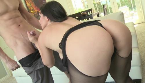 Lea Lexis - Petite Brunette Lea Lexis Gets Pounded Out on the Couch (HD)