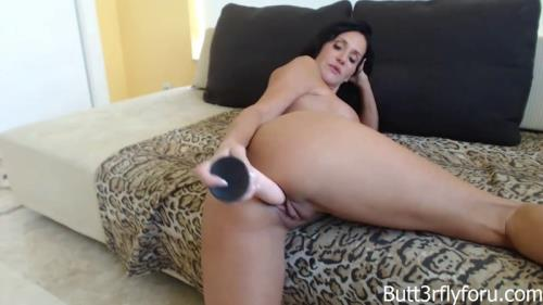 Butt3rflyforU - Milf Catches Son Watching Her Get Dressed [HD, 720p] [Butt3rflyforU Fantasies, Clips4sale.com]