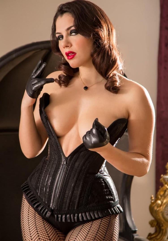 Valentina Nappi - una putita muy sexy (megapost)