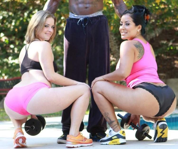 imagen de moh1 en el post Kiara Mia y Sierra Sanders comparten una pija negra