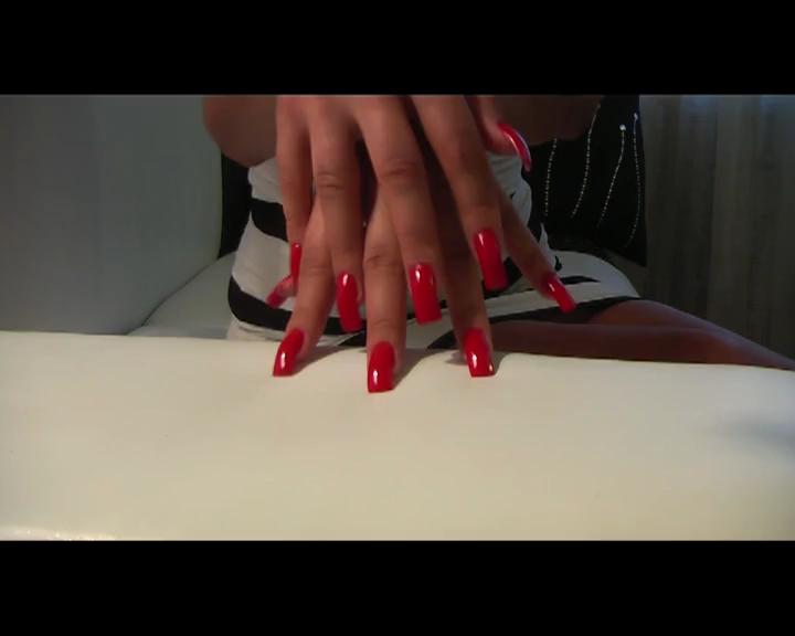 Klixen Red Nails Free Pics