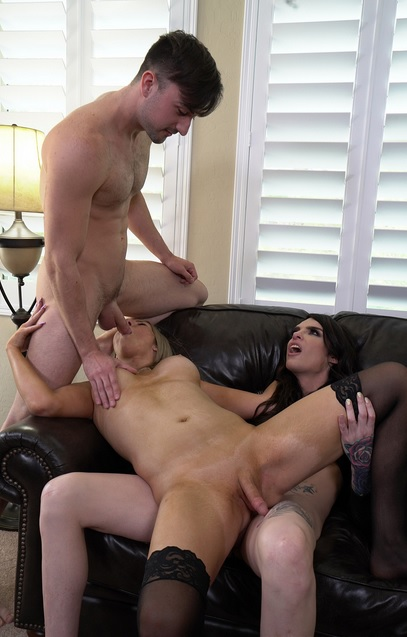 Chelsea Marie and Kayleigh Coxx Threesome
