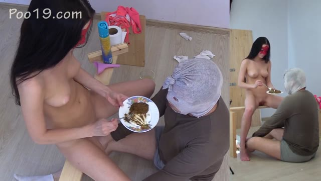 MilanaSmelly - I'm a toilet for two stinky morning ladies