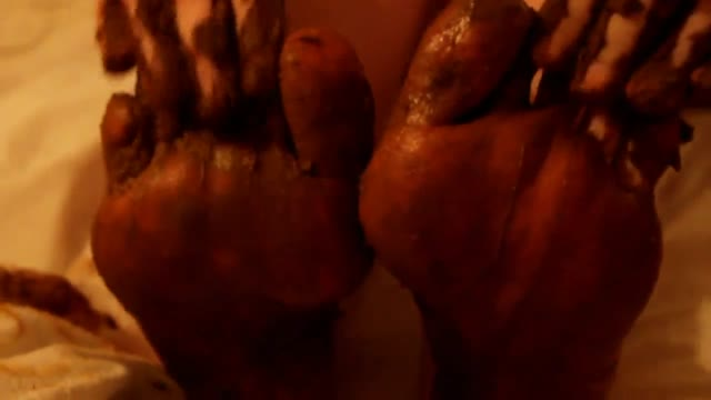 SweetBettyParlour - My sweet shitty feet and nasty footjob (NO AUDIO)