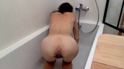 BATHING WITH MY SHIT WITH NASTYMARIANNE | FULL HD 1080P | RELEASE YEAR: OCTOBER 29, 2019