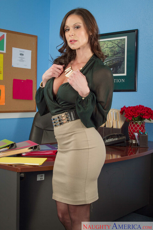 Slutty milf teacher stacey saran dominates younger student