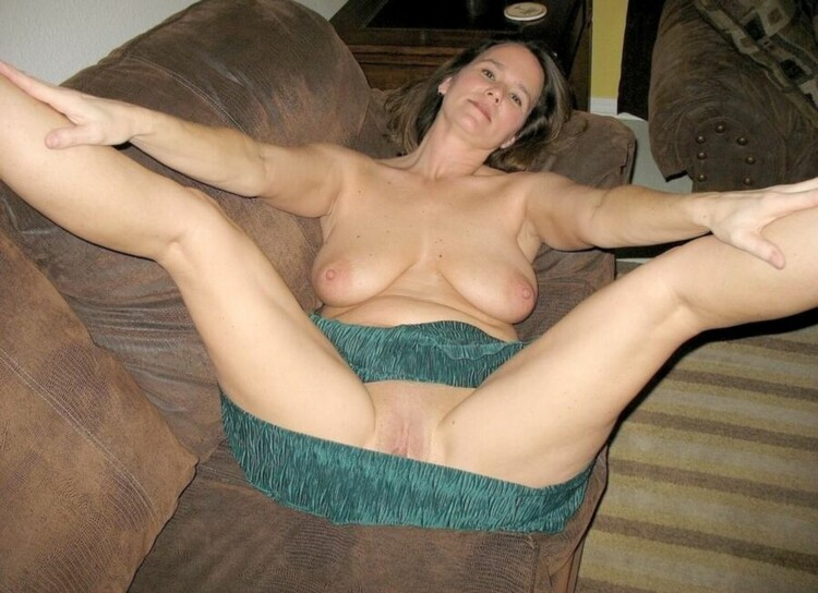 Mature naked porn photo