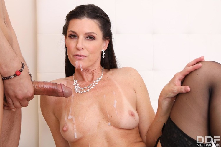 Small tits milf pussy stretched india summer