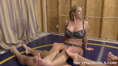 Richelle Ryan - Big Tit Scissoring Handjob