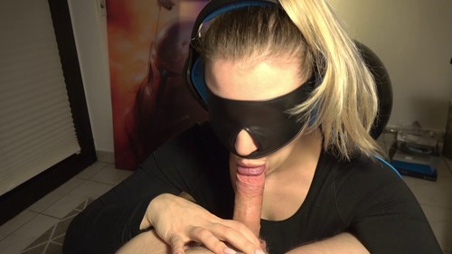 Scarlett Winter - UNIQUE Headphones Blowjob with Blindfold