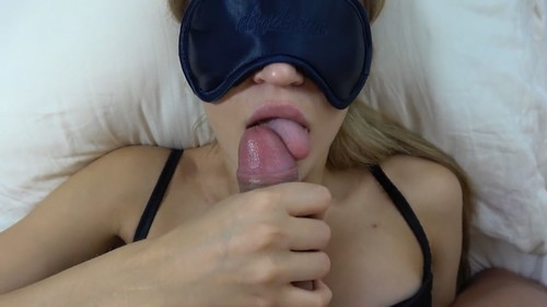 Teen step sister with blindfold gets huge load on face