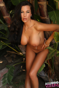 Laura Lee                 59 Images | 29.60 MB