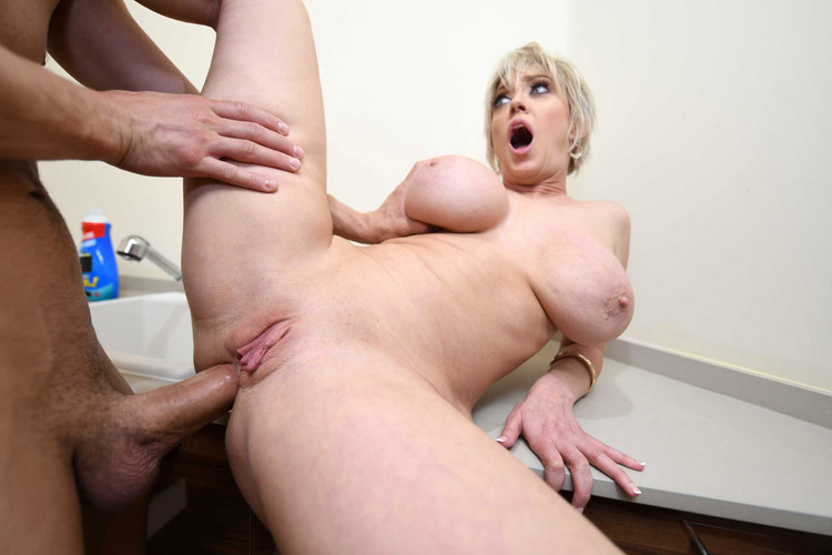 Watch eager beaver cameron dee is more than willing to use her beaver to please